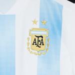 Wie viele WM Sterne hat Argentinien beim Fußball auf dem Trikot?
